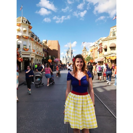 Snow White Disneybound at Magic Kingdom